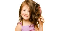 افضل زيوت للاطفال عمر سنتين لتنعيم الشعر