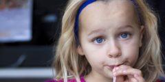 اضرار المشروبات الغازية على الاطفال بالصور