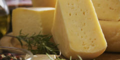 طريقة عمل الجبنة الرومي وسط وقديمة بالتفصيل
