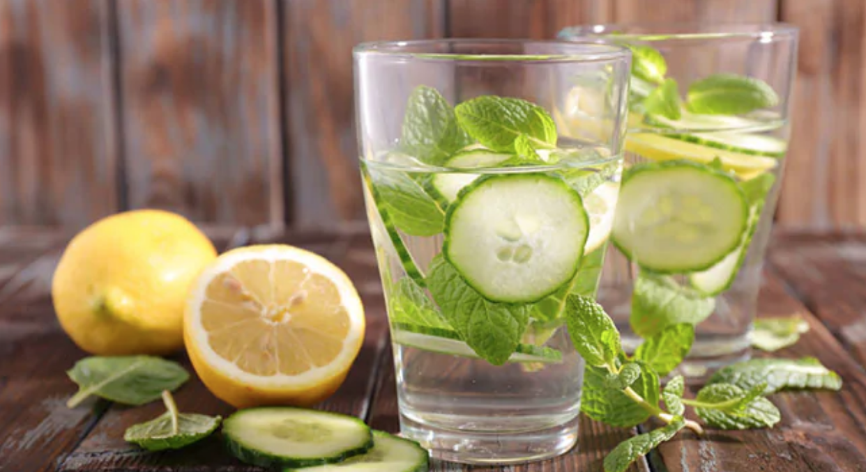 مشروب عصير الخيار بالنعناع للتخسيس وطرد السموم من الجسم